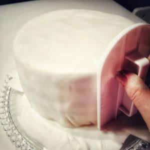 Surprise-Inside-Cake, Rezept, Geburtstagskuchen, Pinata-Effekt, Kuchen, Kidnergeburtstag, Smarties,Geburtstag, Kinder, Überraschungskuchen, Überraschung