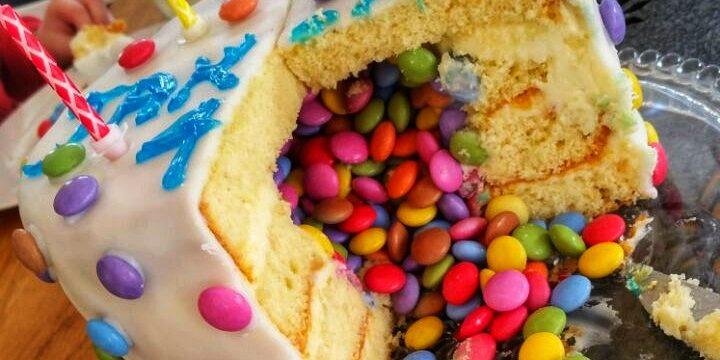 Surprise-Inside-Cake