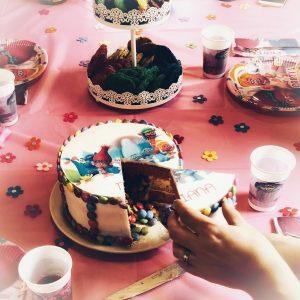 Trollsparty,Trollkuchen, Surprise-Inside-Cake, Geburtstagskuchen, Kindergeburtstag
