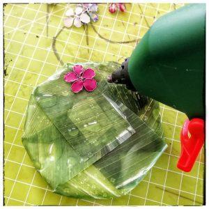 Nagellackblumen, Upcycling, Cremedose, basteln, Aufbewahrung, DIY, Drahtblume, Nagellack, Draht