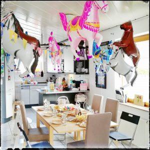 Bibi, Tina, Geburtstagsparty, Kindergeburtstag, Mottoparty, Pferdeparty, Pferde, Hexen, Partydeko, Partyspiele,